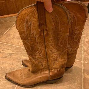 CharlieHorse Womens Boots 8B
